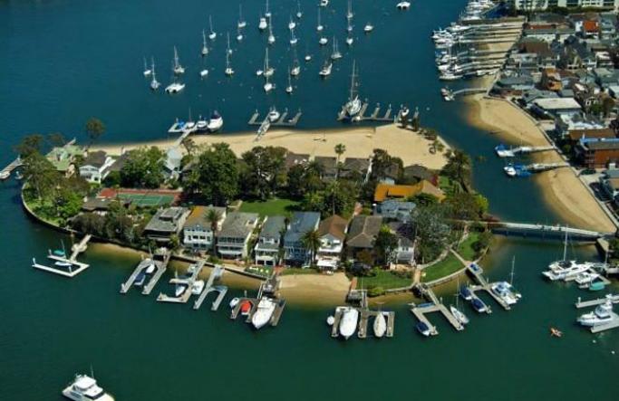 Bay Island Bay Front Homes | Newport Beach Real Estate