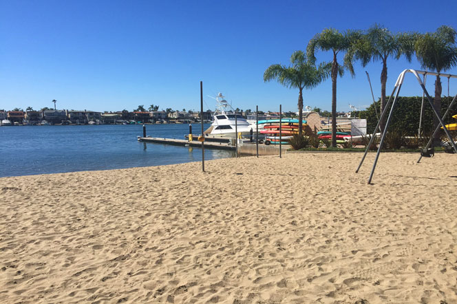 Bayshores beach area in Newport Beach, California