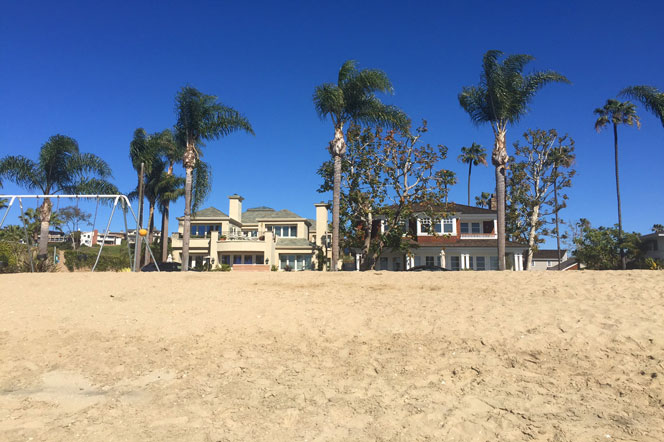 Bayshores Beach Front Community in Newport Beach, CA