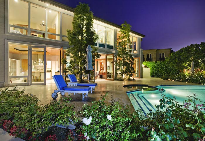 Luxury Homes For Sale in Harbor Island Newport Beach