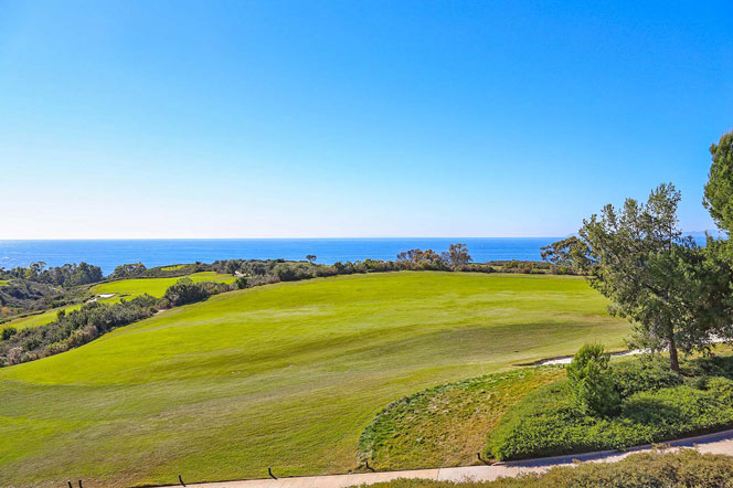 Pelican Hill Golf Course & Ocean Views